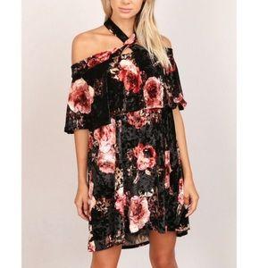 Halter Velvet Ruffle Mini Dress 🇺🇸 🌹